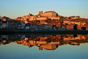Porto: Blick auf die Praca de Riveira