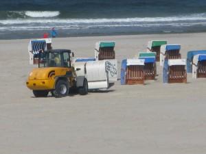 Saisonvorbereitung: Strandkörbe fliegen nicht zum Strand