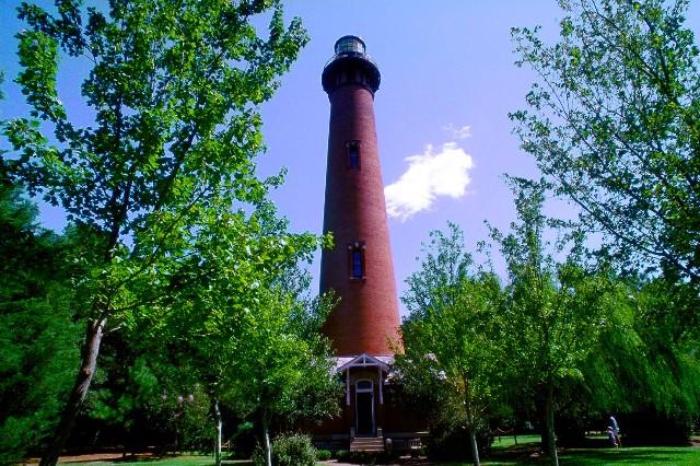 Currituck Lighthouse in Front-BillRuss-VisitNC-com