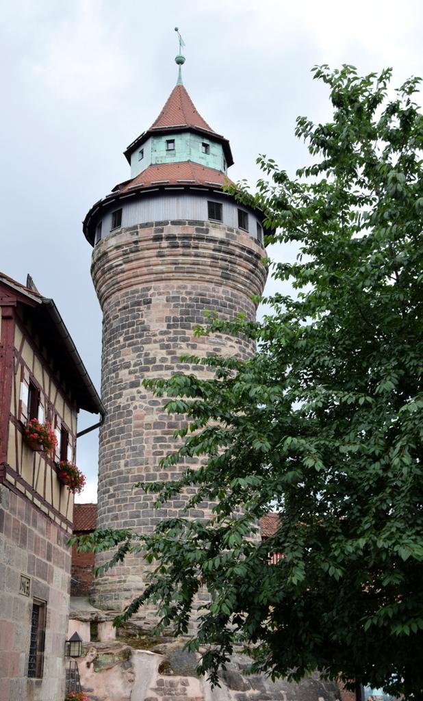 Burg-01