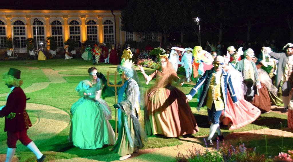 Sommerliches_Maskenfest