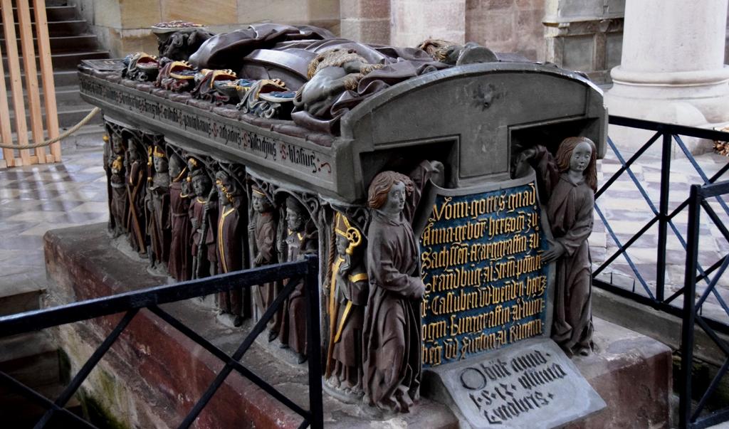 Stiftskirche_Heilsbronn_Hohenzollerngrab