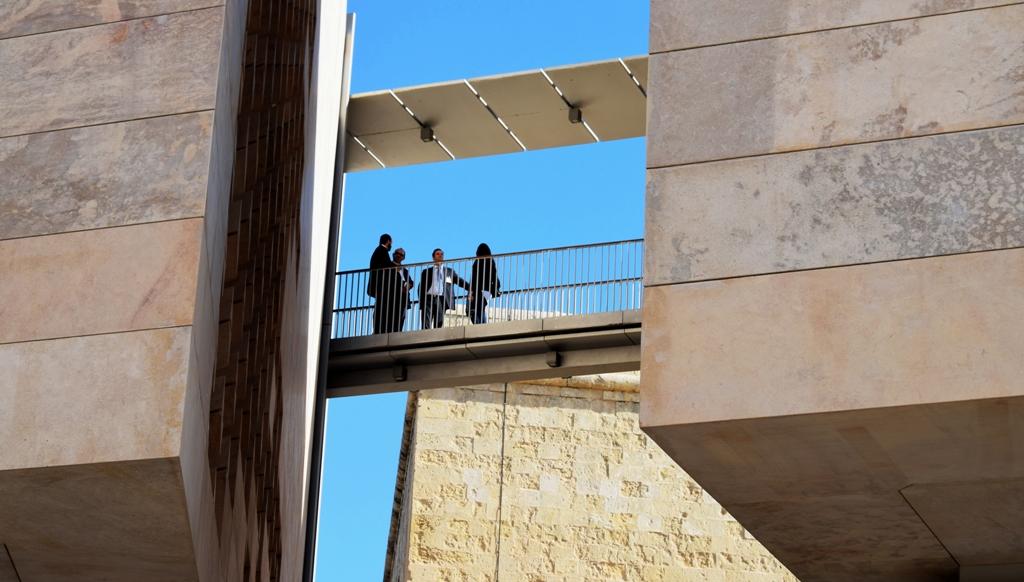 Valletta-Parlament mit Bruecke