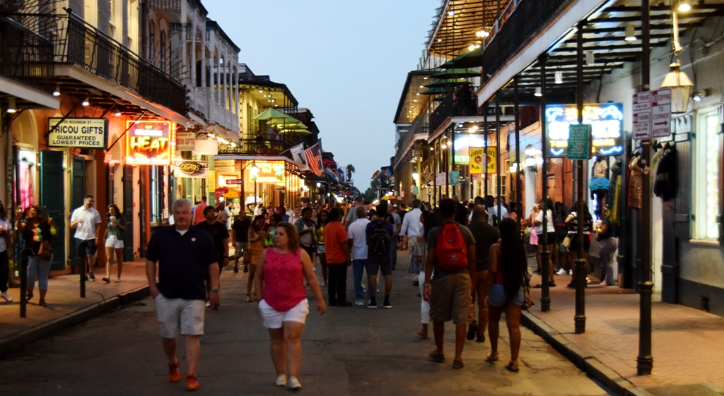 Bourbon_Street_8PM