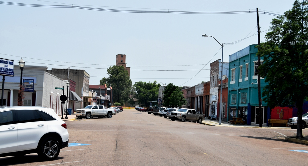 CLARKSDALE_NOON