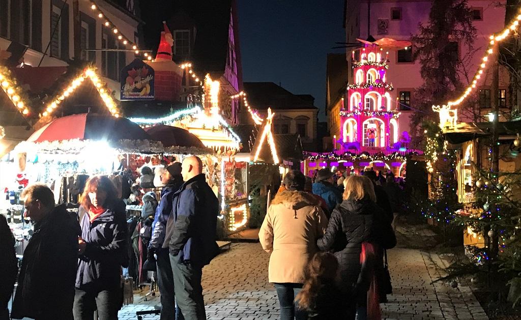 FORCHHEIM_Weihnachtsmarkt-Pyramide