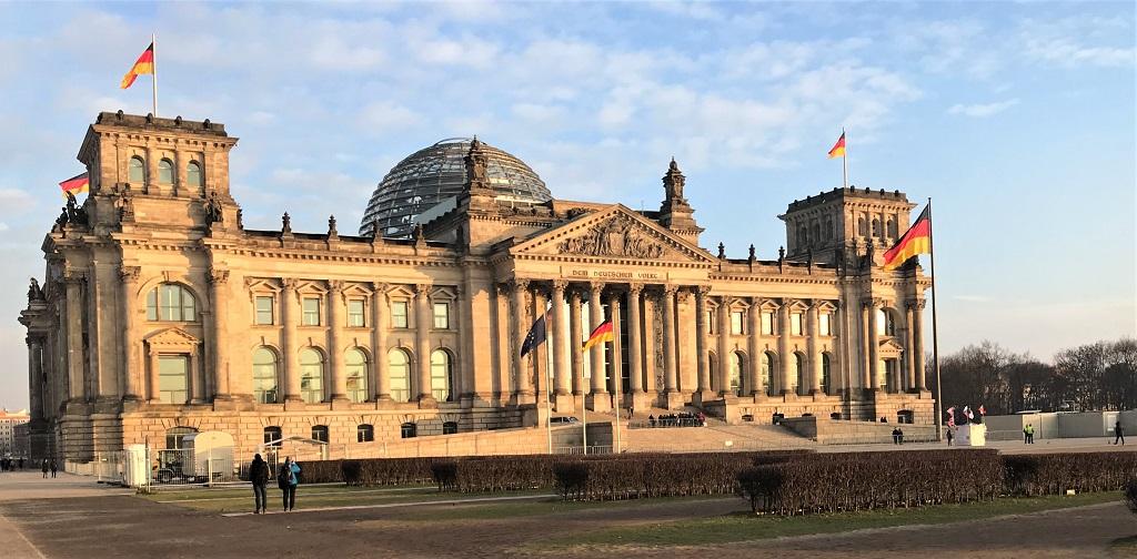 BERLIN_Reichstag-Bundestag-klein