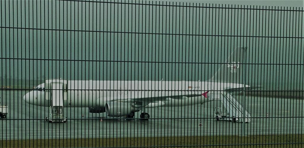 Sundair-A320-KSF