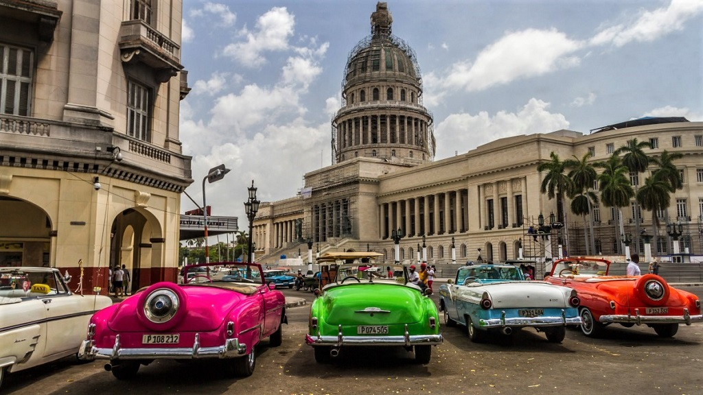 cars vor Capitol